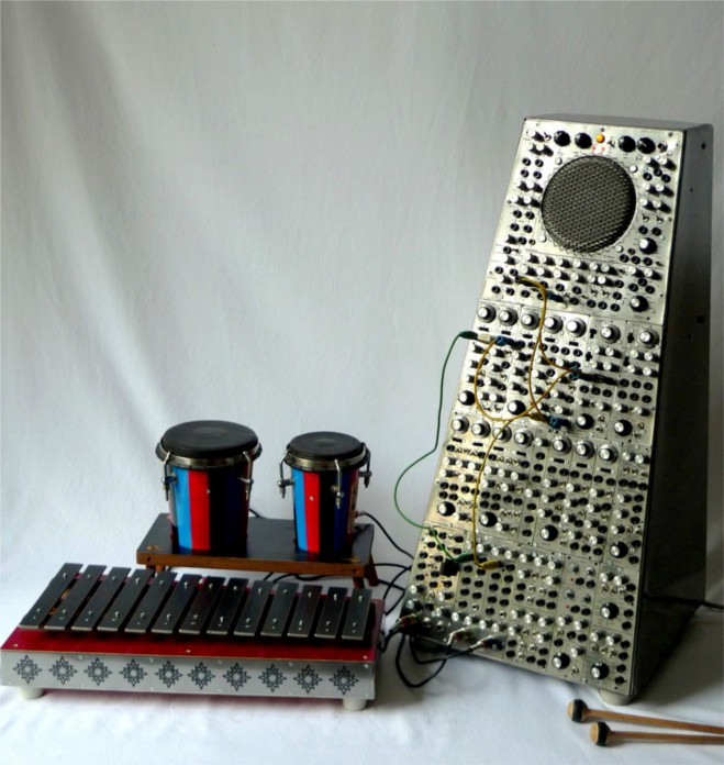 Percussionist 1 + Ensemble, Self-constructed Analog Percussion Synthesizer