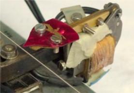 Monochord Plucker, Detail