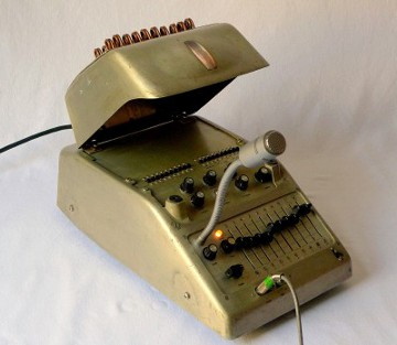 Vocoder with Opened Top