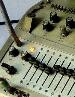 Vocoder with opened top, detail